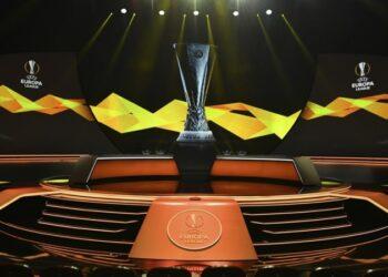 Участники Лиги чемпионов и Лиги Европы вспомнят о Марадоне перед матчами