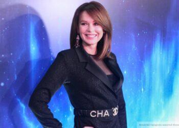 Ирина Безрукова закрутила роман с поклонником