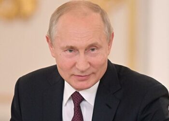 Путин поздравил Хазанова с75-летним юбилеем