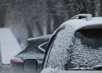 Эксперты: Россияне в два раза сократили расходы на подготовку автомобилей к зиме