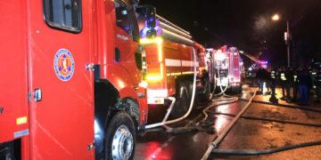 Четыре человека погибли при пожаре в гаражном комплексе Новосибирска