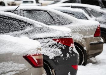 Что делать и куда звонить, если вашу машину на парковке заблокировал другой автомобиль?
