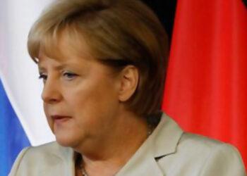Меркель поздравила Байдена с инаугурацией и пригласила в Германию