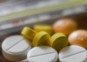Ученые раскрыли опасность популярных лекарств при COVID-19