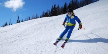 Лыжники Большунов и Непряева представят РФ на чемпионате мира по скиатлону