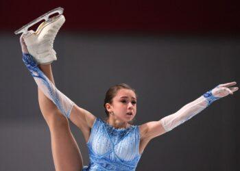Валиева не оставила шансов соперницам в короткой программе на Кубке России