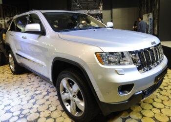 Jeep объявил об отзыве в России более 7,5 тысячи Grand Cherokee