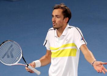 Медведев уступил Джоковичу в финале Australian Open