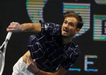 Медведев может подняться на вторую строчку мирового рейтинга после турнира в Роттердаме