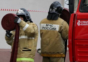На складе в Хабаровске произошел крупный пожар