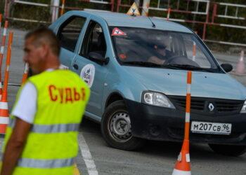 Третий в машине и реальные условия: как в России с 1 апреля изменится экзамен на автоправа