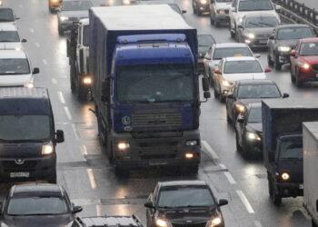 Транзитные большегрузы с 5 апреля смогут ездить только по ЦКАД, А-107 и А-108